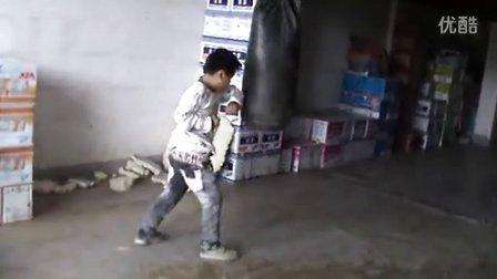 6岁 康辉拳脚训练 (开始注意打法和节奏 以及攻击部位)(哥不是传说 不要迷恋哥)