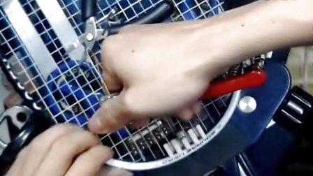 羽毛球拍穿线 标准打结法 双绞结 科班打结 天堂有羽 羽毛球杂志