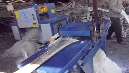 Multi-chip sawing logs and cleared blade saws sawmill processing video