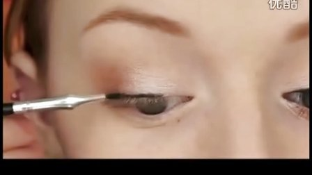 Adele奥斯卡颁奖仿妆 眼线怎么画好看