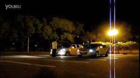 韩国街头版《速度与激情》!!!午夜飙车神马的全都弱爆了。。。这才是体育拼搏精神好么