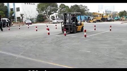 武汉长江叉车培训学校教你怎样快速通过叉车证考试