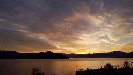 泸沽湖日出