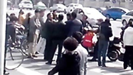 安徽省太和县恶霸村官贪污国有资产5千余万元,并抢占农民房屋