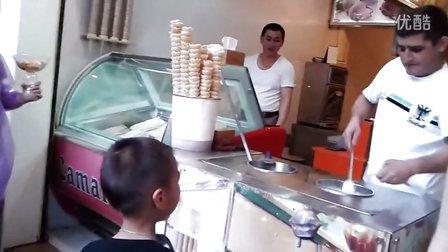 厦门鼓浪屿土耳其冰淇淋 小闹想吃冰淇淋可没那么容易 搞笑!