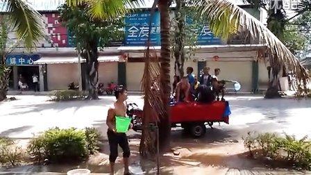云南省 西双版纳族自治州 勐海县 打洛镇  泼水节