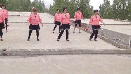 伊川县上庄广场舞 之双枪老太婆
