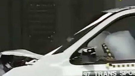 别克GL8 碰撞测试-EV视界新能源汽车网