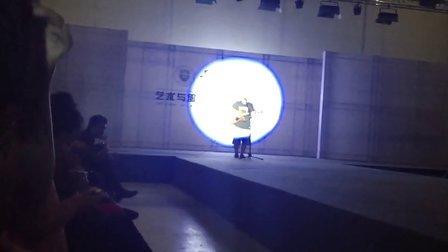 天津工业大学09届服装表演毕业展,西部牛仔系列!