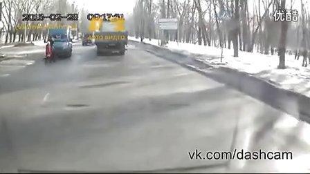 俄罗斯惊险车祸逃生帝合集www.doshow.com.cn