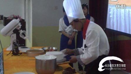 长沙烹饪学校告诉您怎样做巧克力蛋糕