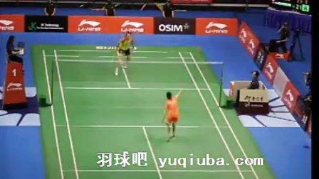 王适娴/王仪涵比赛视频 女单1/4决赛 2013新加坡羽毛球公开赛