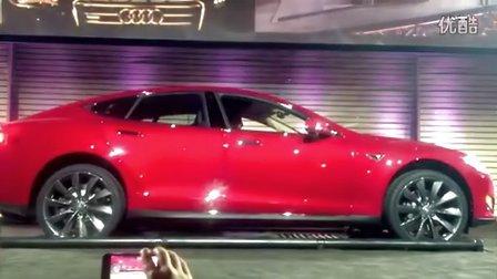 纯电动汽车特斯拉Tesla换电池全程不到两分钟