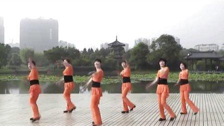 健身广场舞全集:清江画廊土家妹含背面