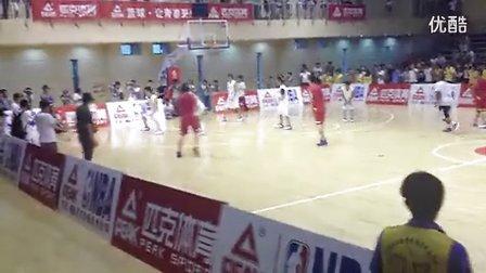 乔治-希尔2013中国行比赛上演劈扣