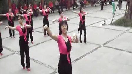 快乐四方健身队 兵哥哥.放爱大草原<宝圣湖队>