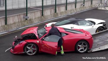 Crashed  2x Ferrari 458 Italia