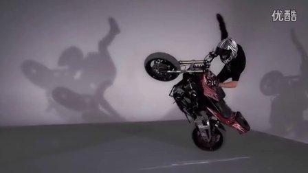 【阿苏科斯】街舞妹纸PK摩托车牛人