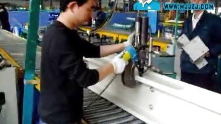 埃瑞特母线槽自冲铆接机,自冲铆接机生产线