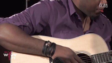 Emeli SandeÌ- - 'Next To Me' (Live at WFUV)