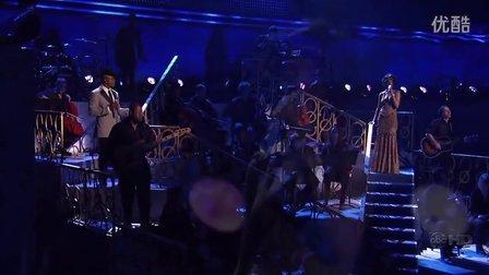 Rihanna Feat Ne-Yo Umbrella & Hate that i love you Live