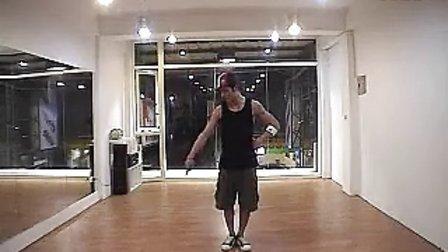 街舞教学-摇滚步
