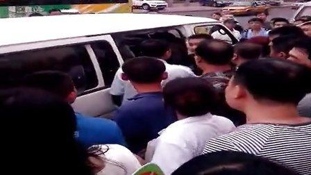 哈尔滨城管暴力执法见证(2)