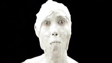 诡异的冰激凌广告