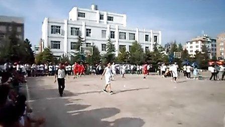 2013年昭通市中学生篮球赛市一中对水富(4)