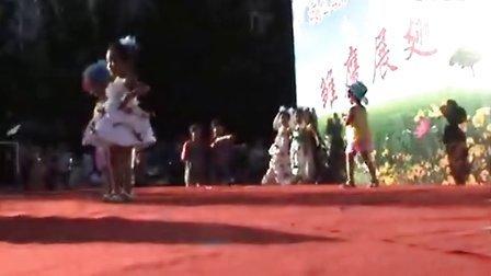 可爱可笑的儿童时装表演