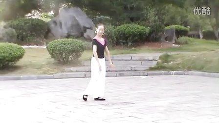 燕子广场舞西纳情歌