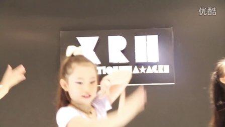伊贝拉舞蹈少儿民族成品舞<弯弯的月亮>武汉青山专业少儿舞蹈培训