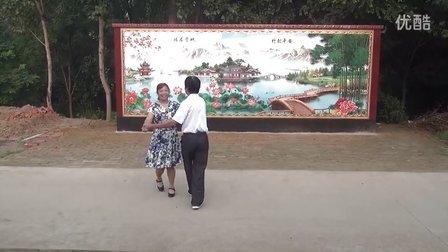 泊头魏庄广场双人舞十四步红雪莲