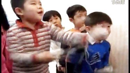 是什么能让小孩如此疯狂?