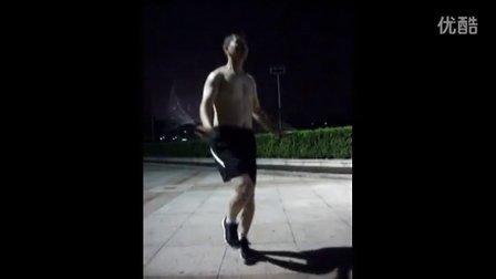 巧手老师剪完头更帅了秀秀绳艺跳绳视频