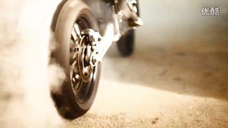 KTM 690 SMC摩托车特技