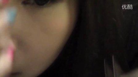 如何粘假睫毛(^.^)