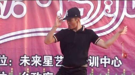 """新绛县东柳泉""""未来星""""艺术培训中心2013暑期汇演"""