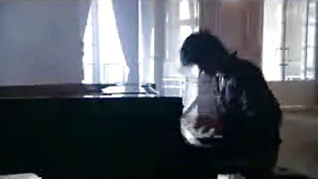 钢琴家Maksim  预言者Nostradamus