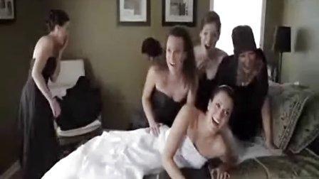 美女们太多,床也受不了
