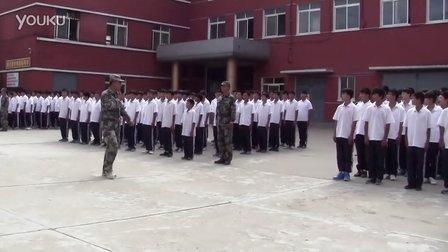 丹东市曙光职专2013级军训检阅演练