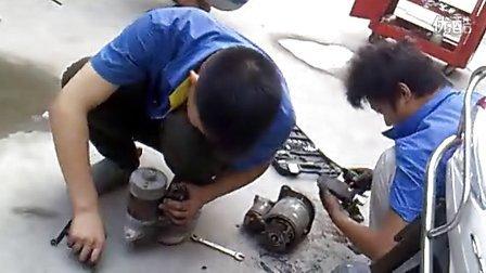 汽车维修培训学校---车博士刺客汽车实验室制作--拆装启动机