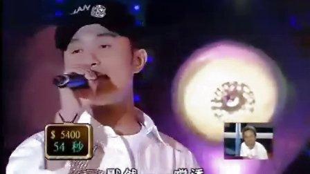 一位帅哥唱歌模仿谭咏麟,徐小凤,王杰,许志安,李克勤五人