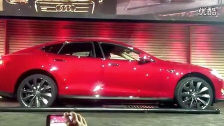 纯电动汽车特斯拉Tesla换电池全程不到两分钟-EV视界