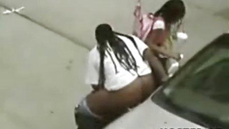 黑人肥女公然在大街上2号