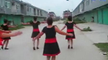 【爱情红绿灯】三优集大众广场舞.三优集大众舞蹈队mp4
