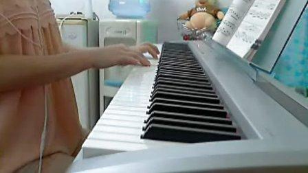 夜色钢琴版《滴答》   演奏_tan8.com