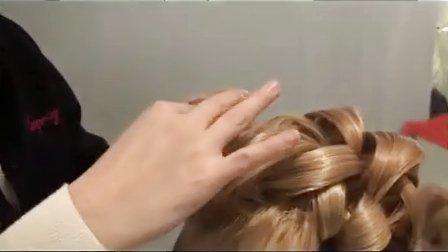 优雅的婚礼卷发
