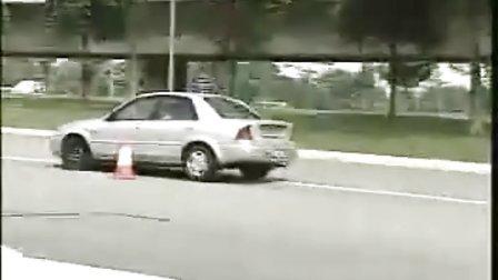 福特汽车爆胎测试·