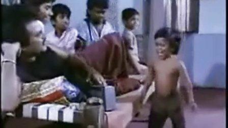 搞笑小孩跳舞